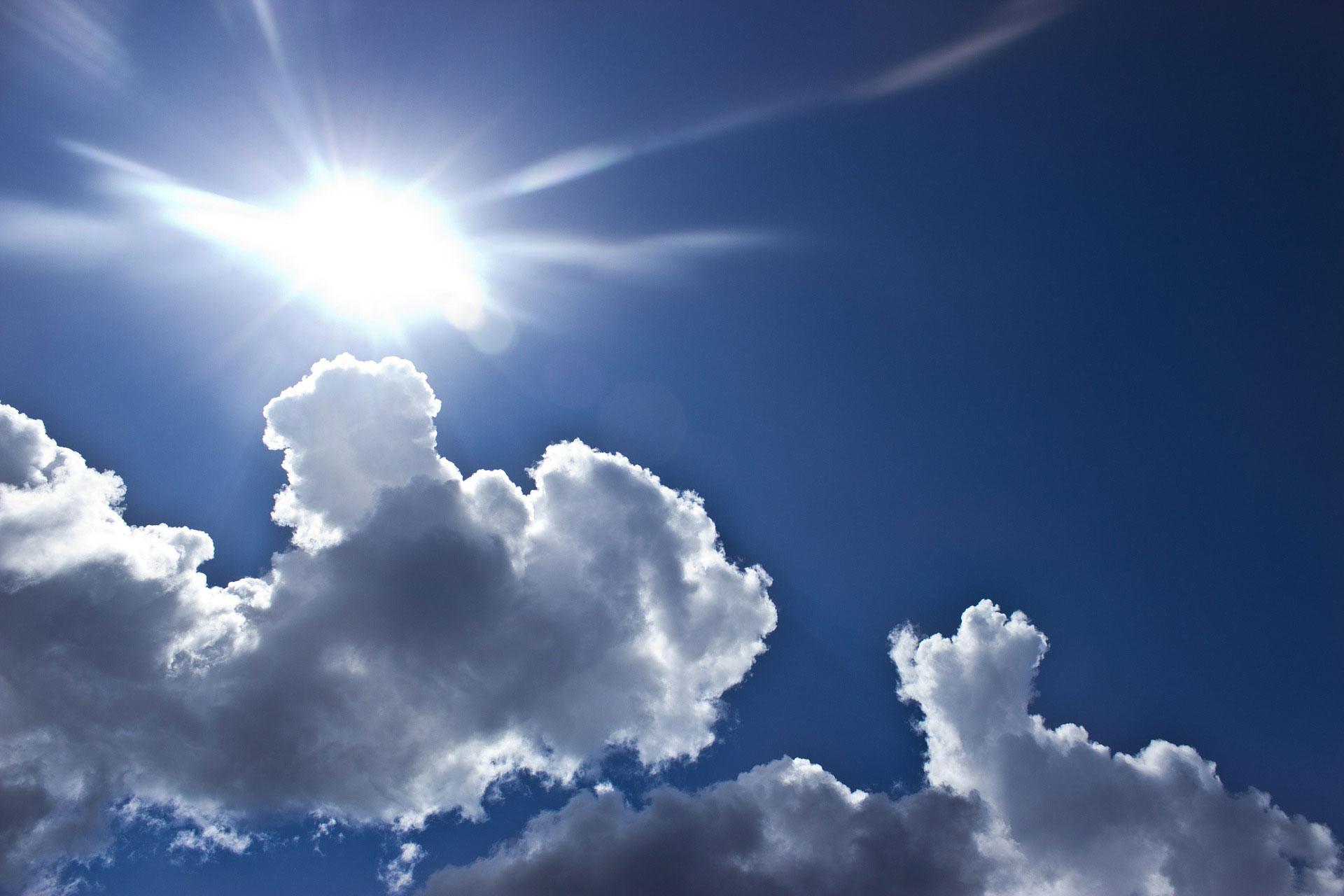 Sonne.-Wolken